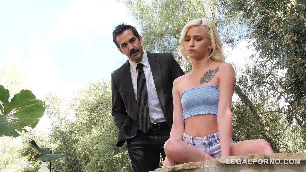 Horny teen vamp Kiara Cole seduces Gentleman