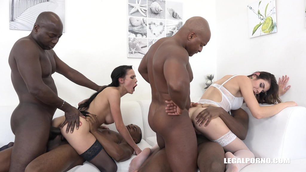 Nicole Love & Jessica Bell go crazy for black cock IV120