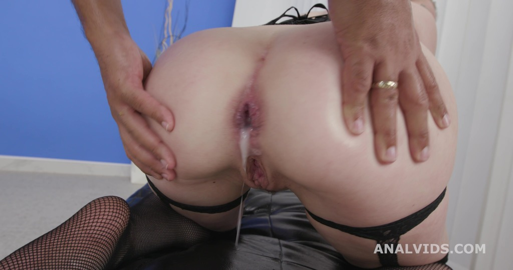 Submissive Chrystal Sinn BBC DP, Balls Deep Anal, Gapes, Creampie Swallow and Facial GL421