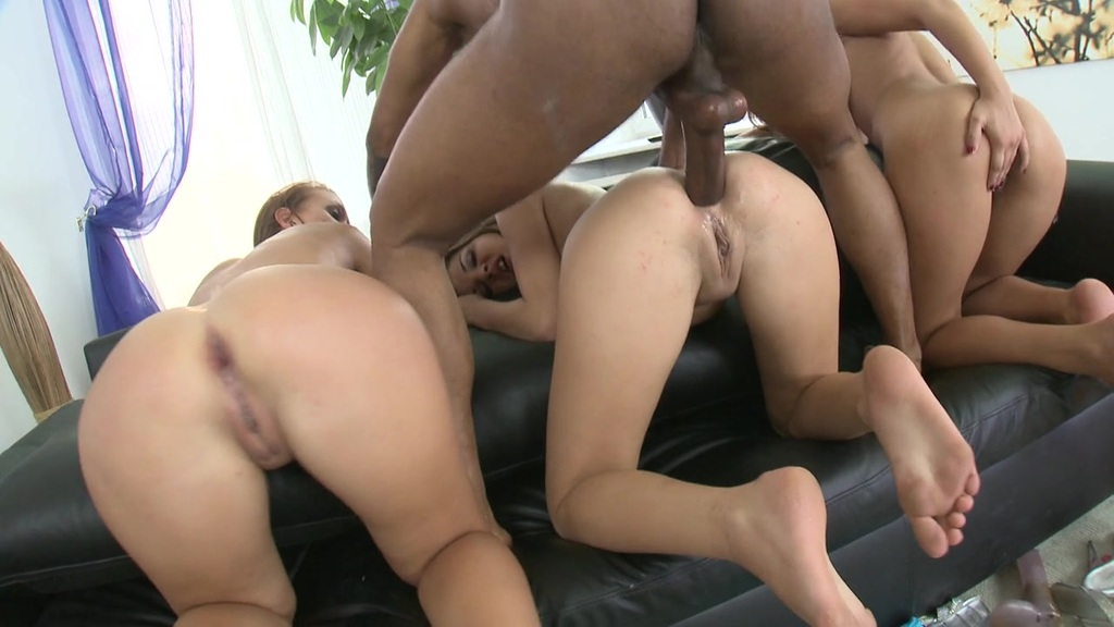 Three Tight Asses get Destroyed – Angel Rivas,Henessy,Violet Moon