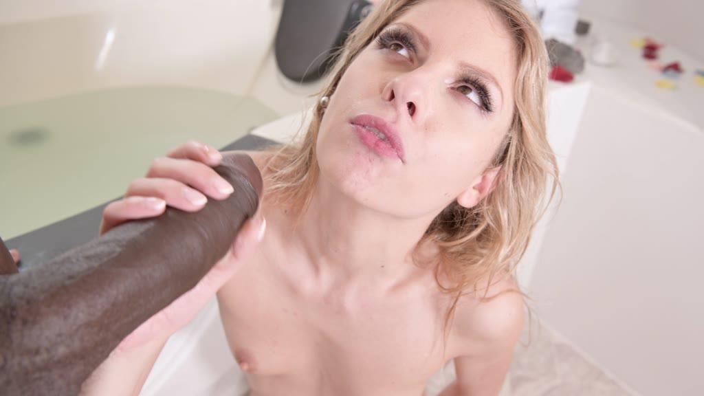 Super sexy Rebecca Volpetti rides his giant black cock in the bathroom GP971