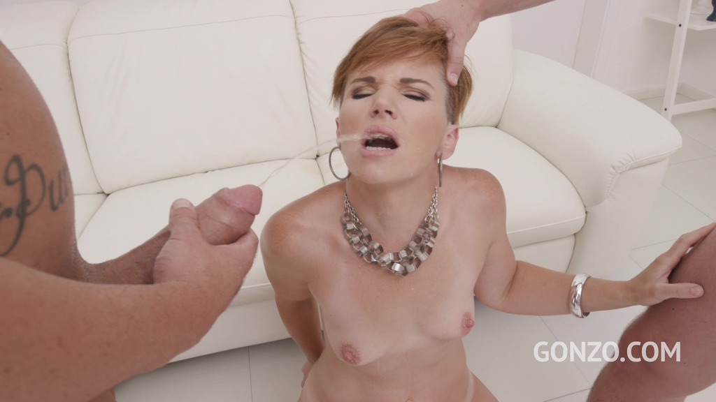 Hot MILF Isalyn welcome to Gonzo with first DAP, DP and Pee SZ2485