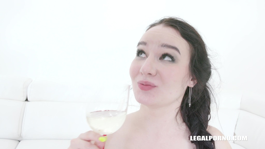 Sally Sun tries african champagne IV379