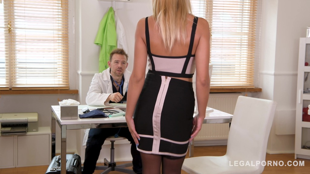 Hardcore clinic Docs double penetrate Cherry Kiss into her ass and pussy GP126
