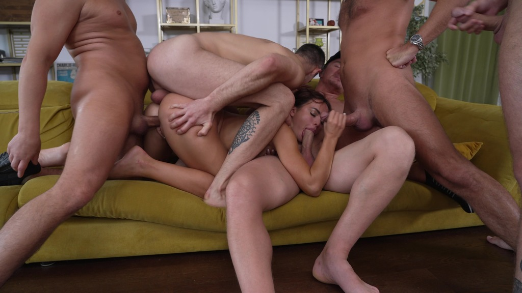 Gang Bang (5 on 1) - Piss Drink on Maryana Rose ! Pissed in the ass, pussy and mouth (wet)