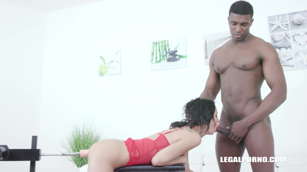 Freya Dee gets fucked by black bulls IV491