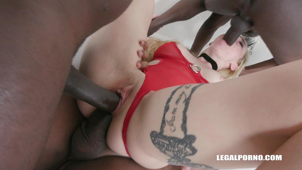 Helena Valentine discovers black feeling & high anal IV170