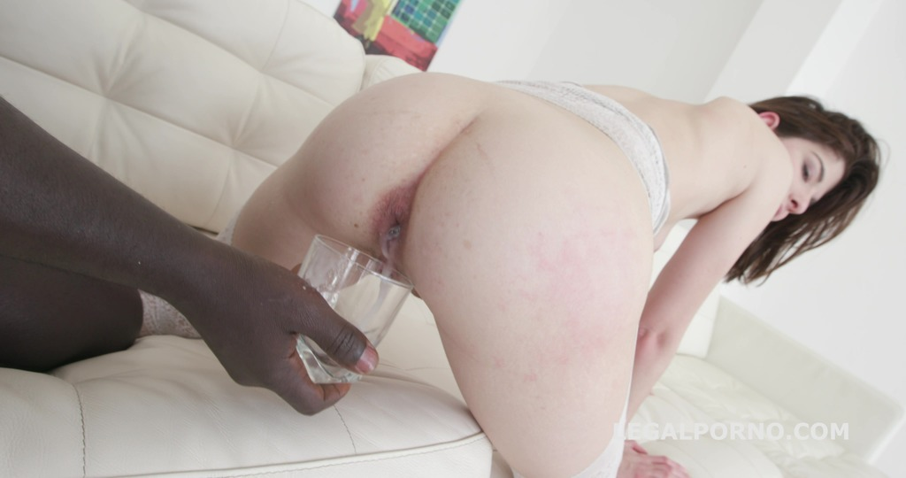 Sara Bell gets 3 BBCs to the Ass – No Pussy Fucking