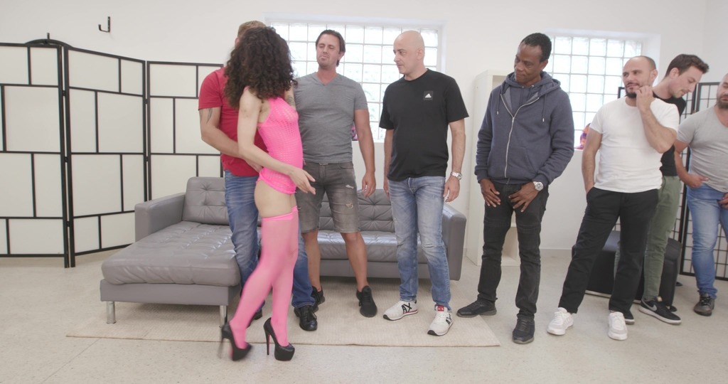 Stacy Bloom is Unbreakable #1, 4on1, Balls Deep Anal, Monster ButtRose, Cocktail, Squirt Drink, Creampie Swallow GIO1933