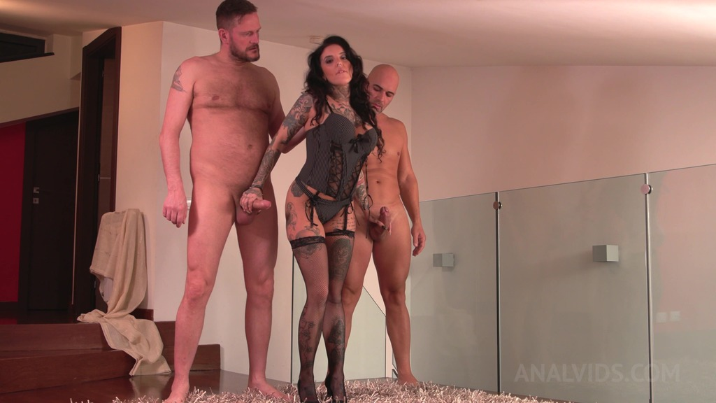 Inked slut Yemaya Gonzalez Gaped and DP'ed by two huge cocks MS003