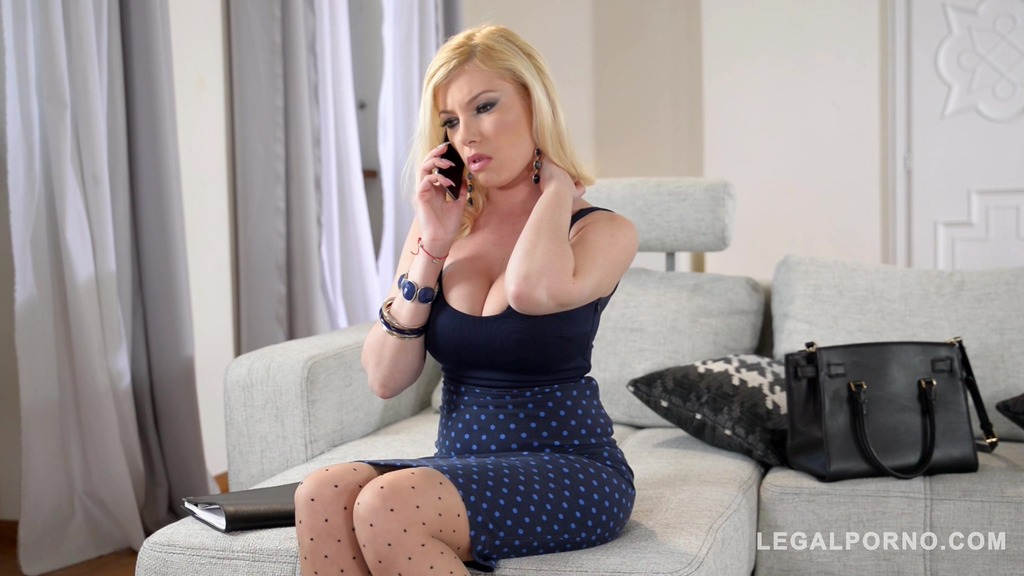 Blondie Donna Bell needs two massive cocks between her gigantic titties GP534