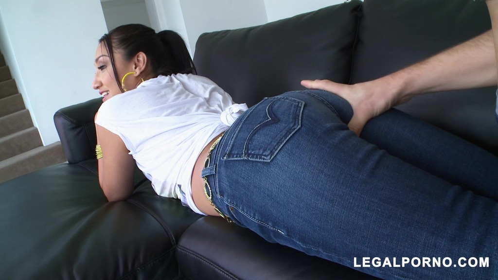 Hard Anal Sex With Asian Cutie Vicki Chase MA033