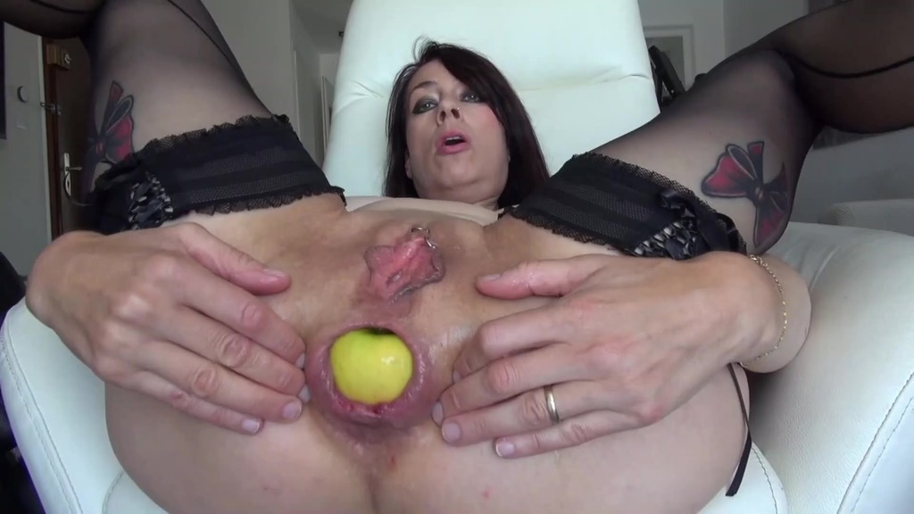 Extreme close-ups of kinky ass destruction, prolapse, gaping, ass spreading, speculum, fisting, XXL objects AL026