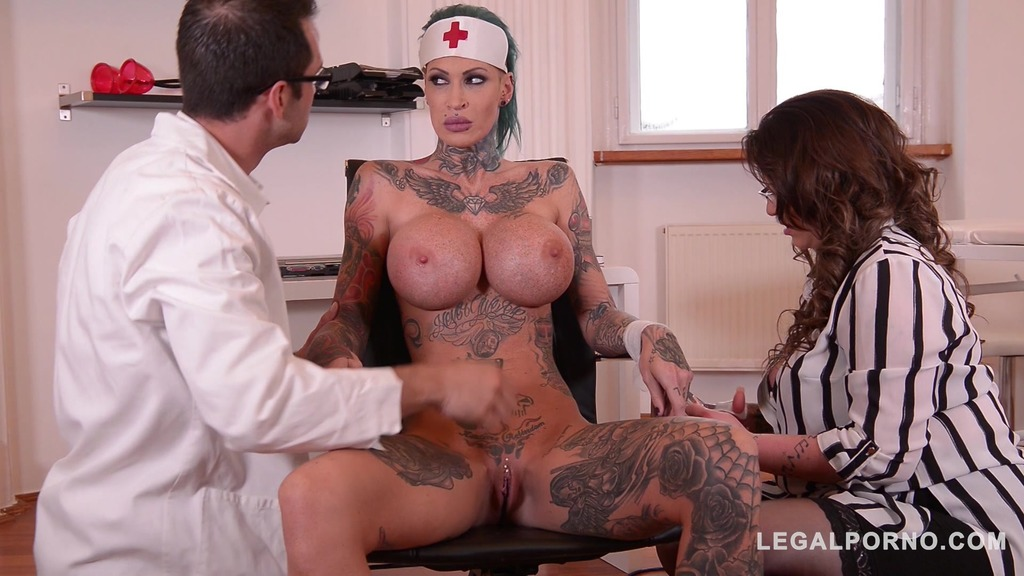 Tattooed Nurses Calisi Ink & Harmony Reigns Fucked By Brit Patient At Clinic GP098