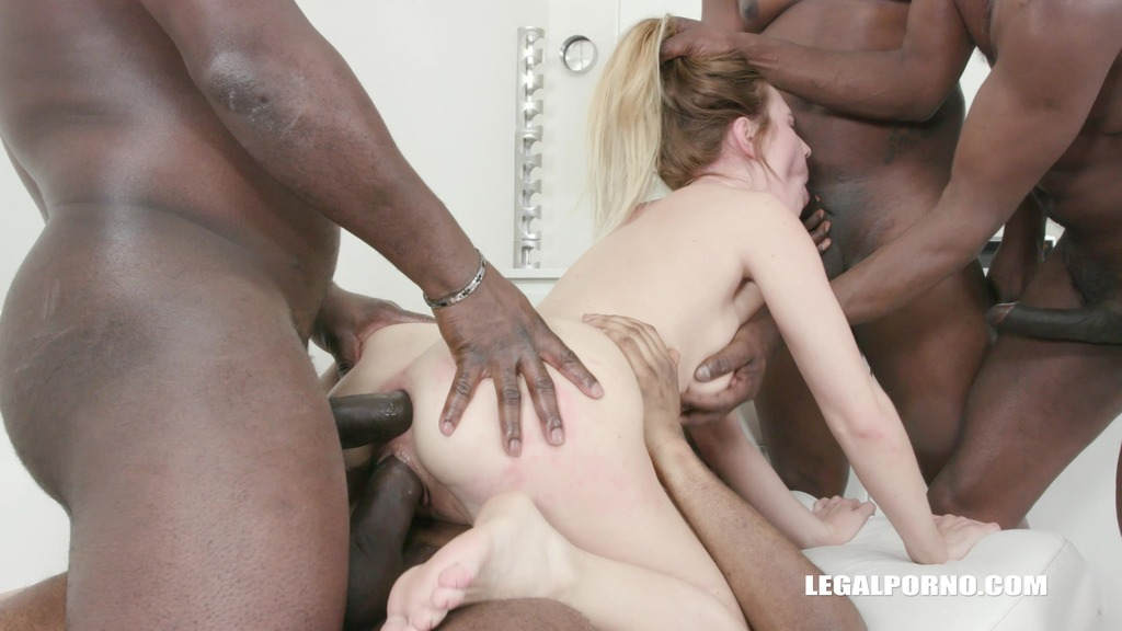 Timea Bella comes to enjoy anal sex with black bulls IV302