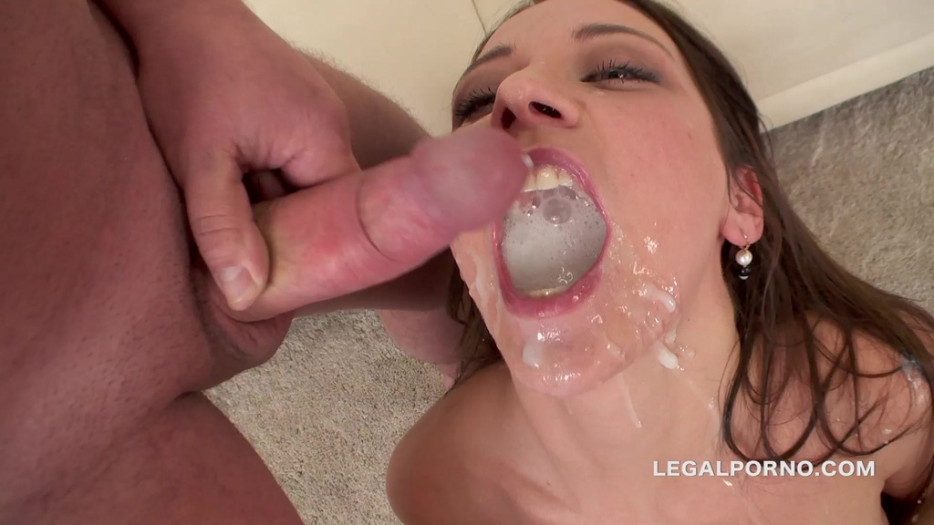Sperma Party #17 Julia Skyhigh swallows 13 cumshots after lots of DP, DAP, TAP, ATM, bj and deepthroat. Top Sperma Party GIO144