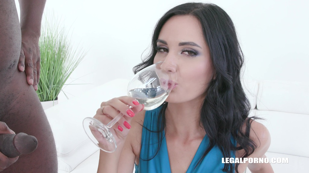 Megan Venturi gets fucked and drinks piss IV322