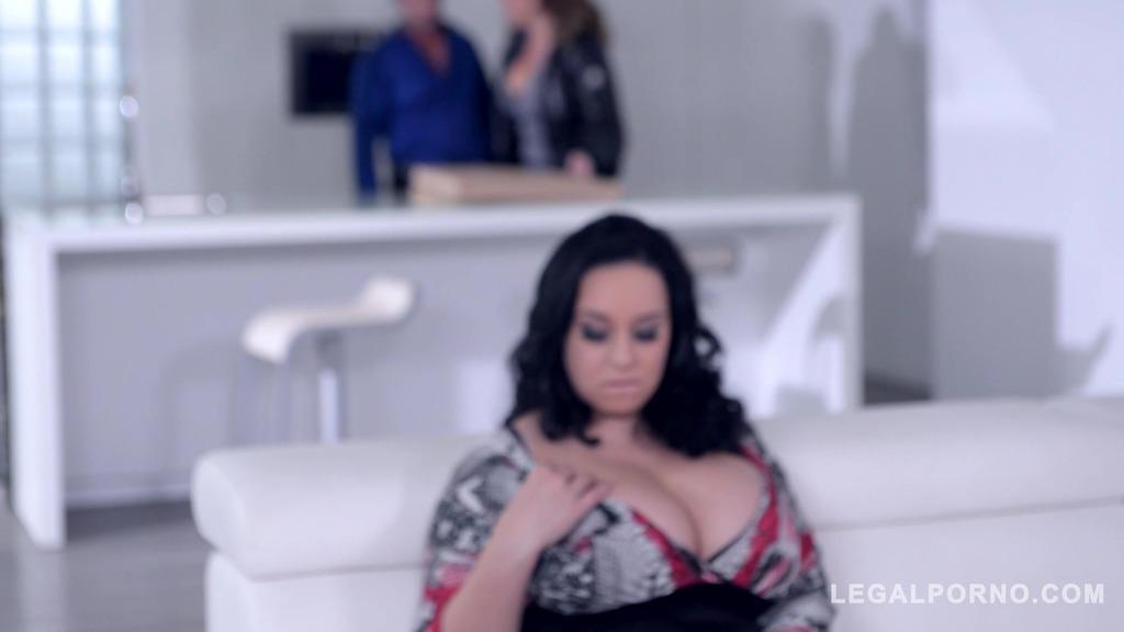 Laura Orsolya & Anastasia Lux titty fucked