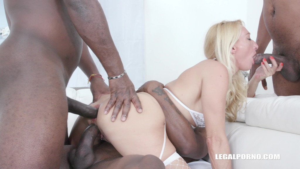Bethie Lova is back to get fucked by 3 BBC IV524