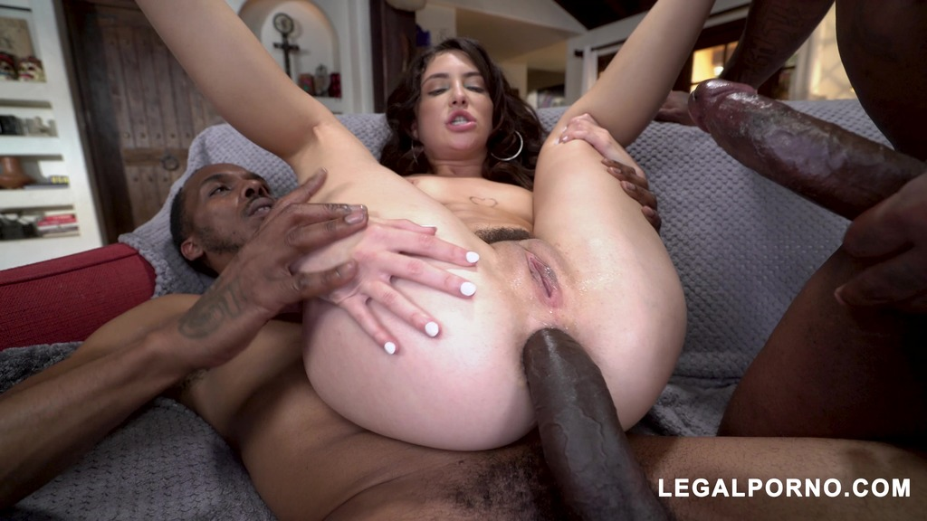 Jane Wilde with ass better than pussy is back tacking two BBC with perfect gape AA045