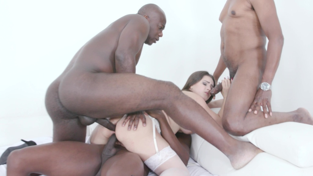 Serina Gomez enjoys DP with 3 black guys IV503