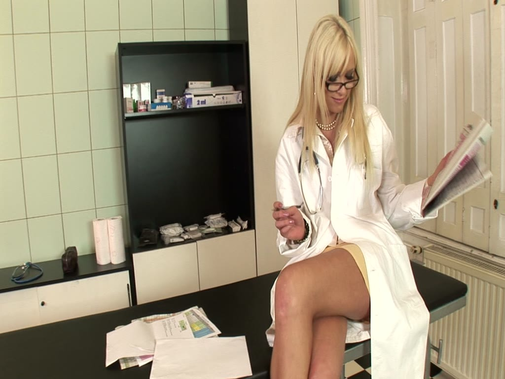 Dirty team Doc Teena Dolly DAP'ed to the extreme for massive cumshots GP1100