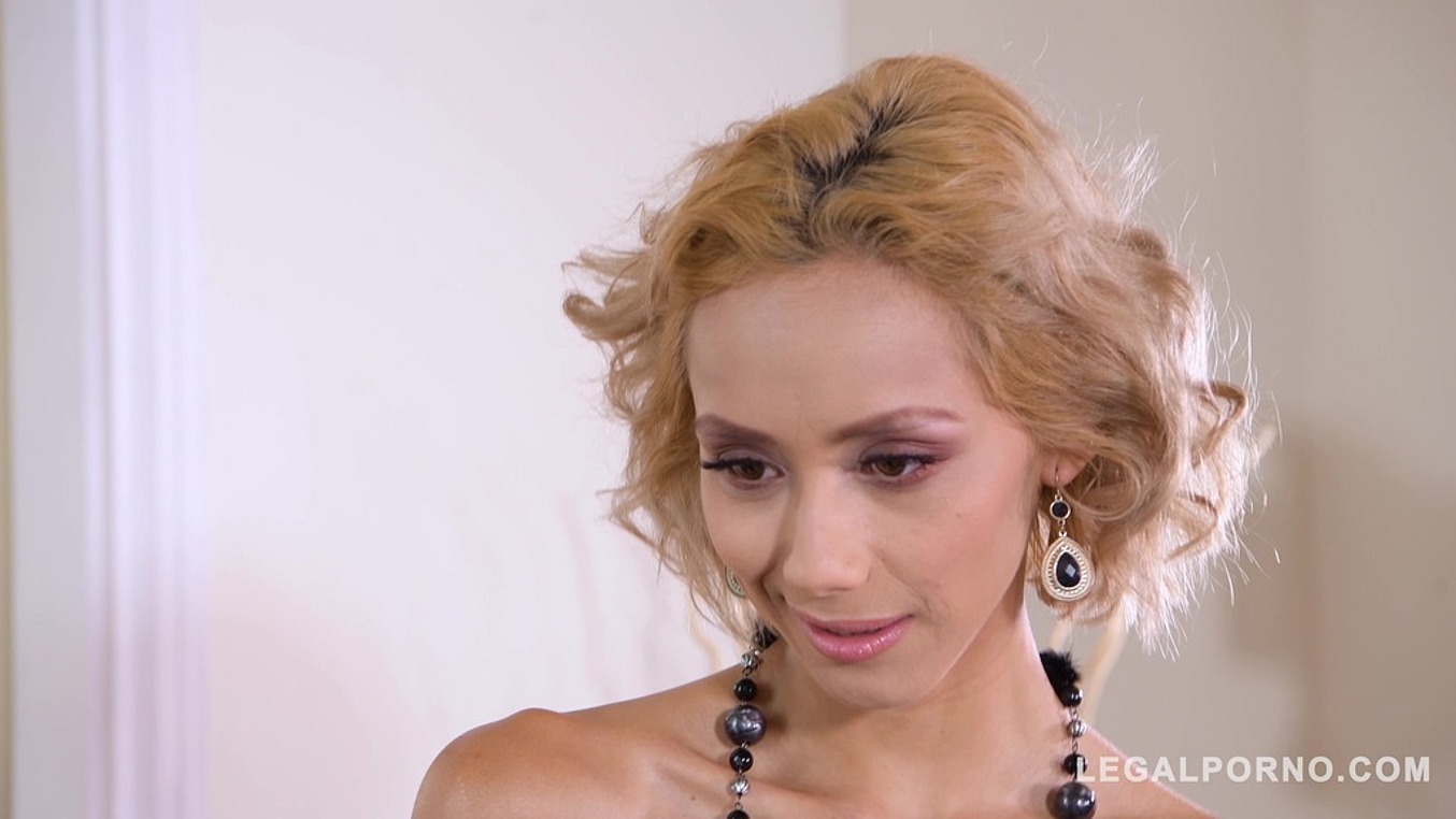 Veronica Leal in Extra Hardcore double penetration sensation with slim stunner Veronica Leal GP870