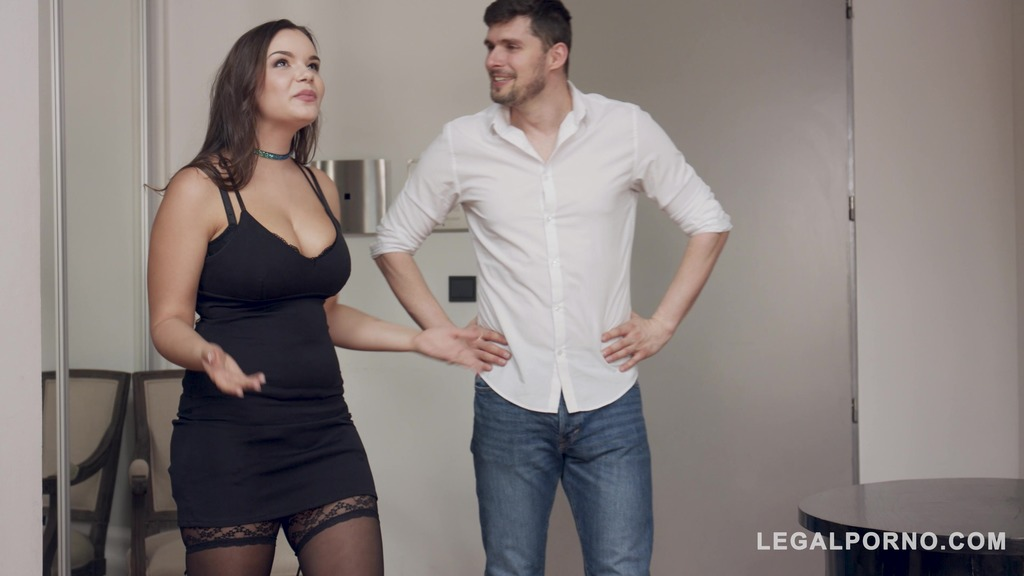 Apartment viewing turns into titty fuck and Hardcore action with Sofia Lee GP868