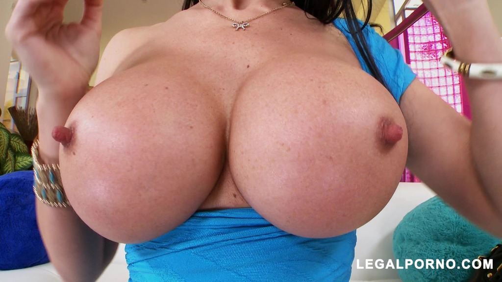 Eva Karera Loves Hard Cock In The Ass MA081