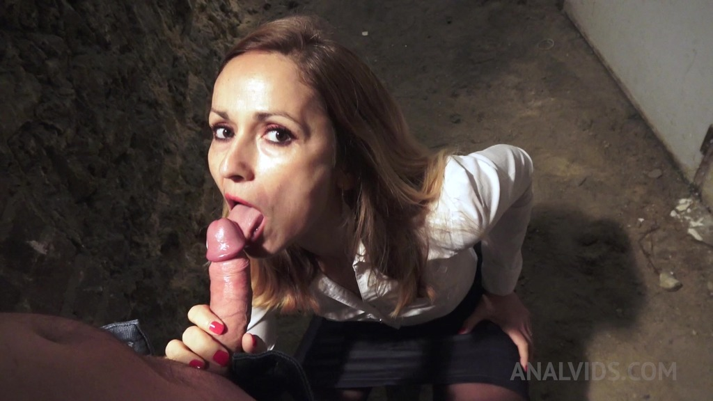 MILF Alice Hatter gets her ass fucked from behind in the cellar OTS149