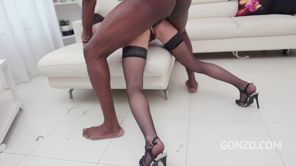 Kate Rich goes straight to anal fucking after short 1on1 warm up with Mike Chapman SZ2387