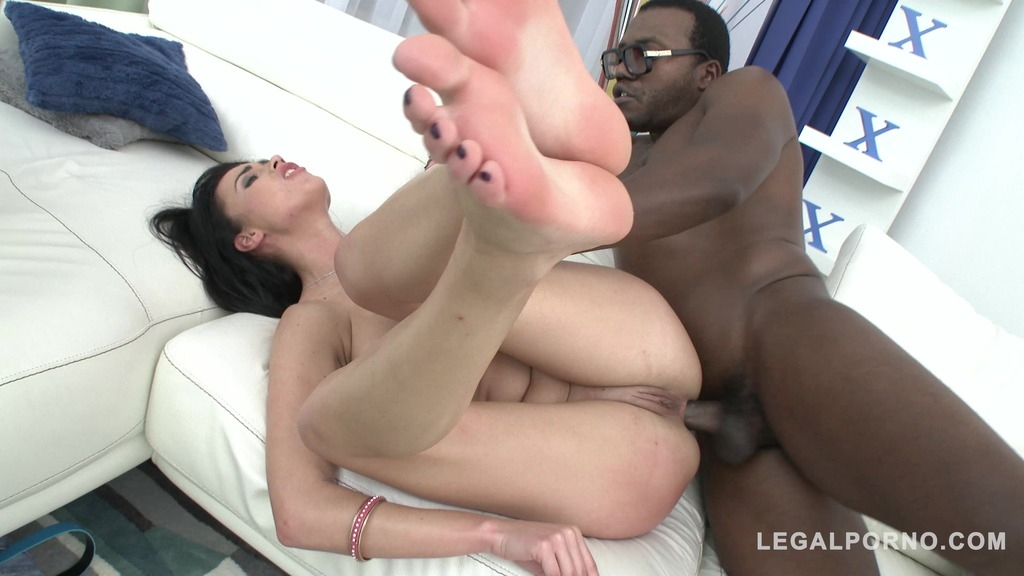 Niky Perry first time in studio: 3on1 Airtight DP SZ1542