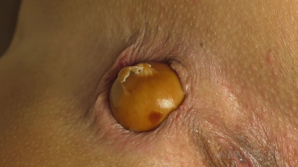Queen Eugenia's gaping holes want to eat QE022