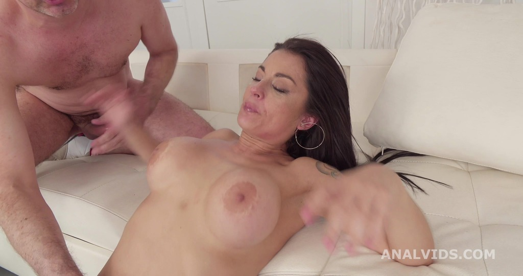 Robin's Anal Casting, Bianca Blues goes wet, Balls Deep Anal, Nice Gapes, ATM, Pee and Swallow GL201