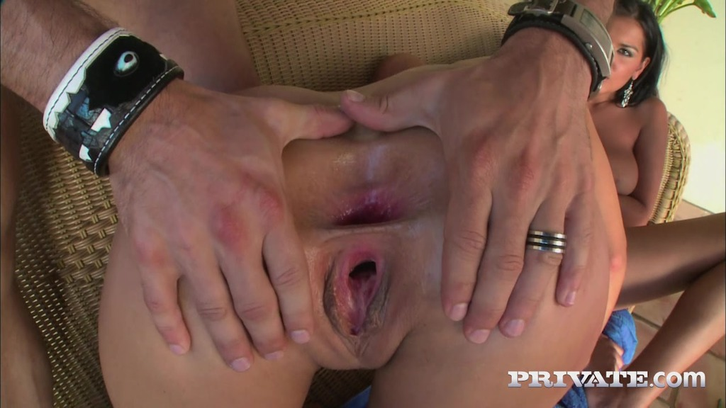 Simonne Style and Jasmine Black, Outdoor Threesome with Anal and Squirting