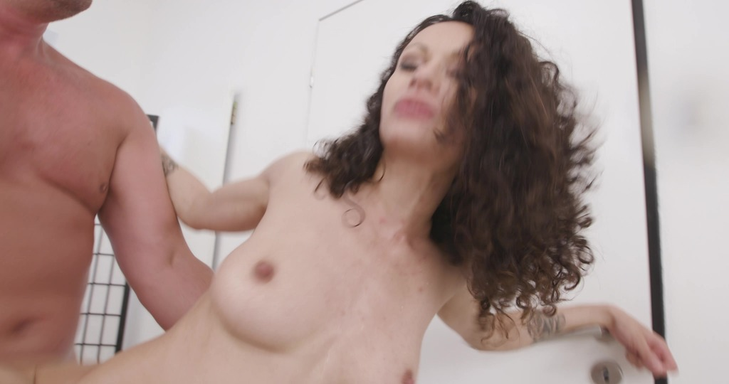 Stacy Bloom is Unbreakable #2 4on1, ATM, DAP, Gapes, ButtRose, Drink, Squirt Drink, Cum in Mouth, Swallow GIO1934