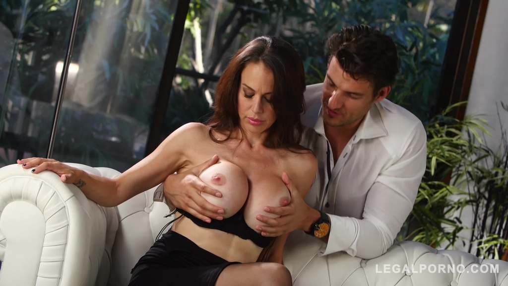 Milf McKenzie Lee gets her big Tits & Pussy Fucked