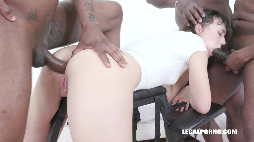 Anal sex with black bulls for Sandra Zee IV493